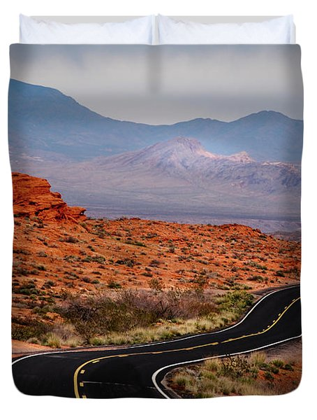 Winding Road In Valley Of Fire Duvet Cover