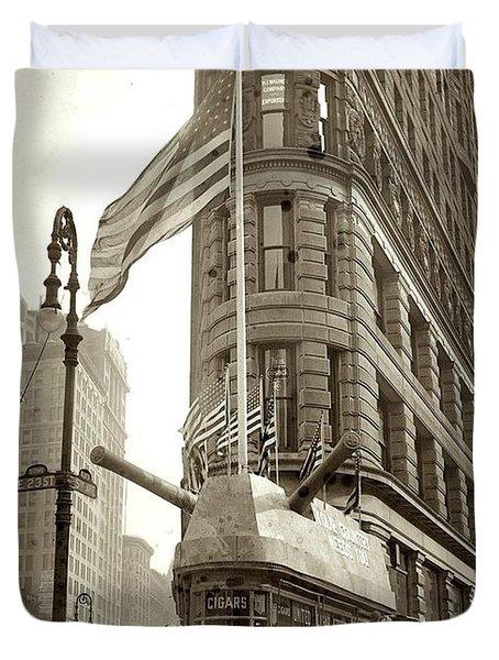 1917 Photo New York  Flatiron Building Duvet Cover