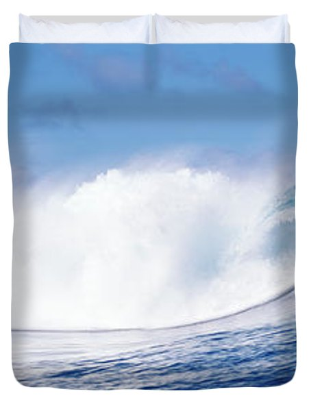 Rough Waves In The Sea, Tahiti, French Duvet Cover