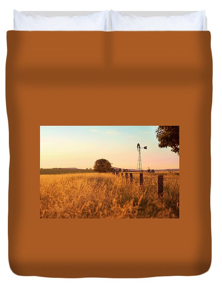 Duvet Cover featuring the photograph Australian Windmill In The Countryside by Rob D