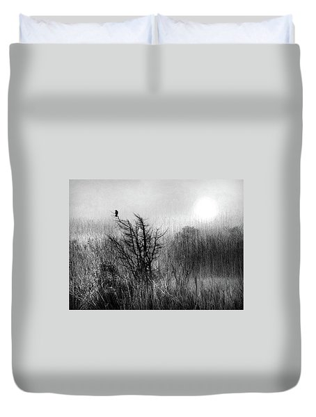 A Starling By The Sea  Duvet Cover