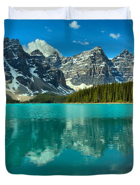 Afternoon Rocky Reflections At Moraine Lake Duvet Cover