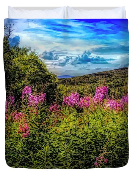 Art Photo Of Vermont Rolling Hills With Pink Flowers In The Fore Duvet Cover