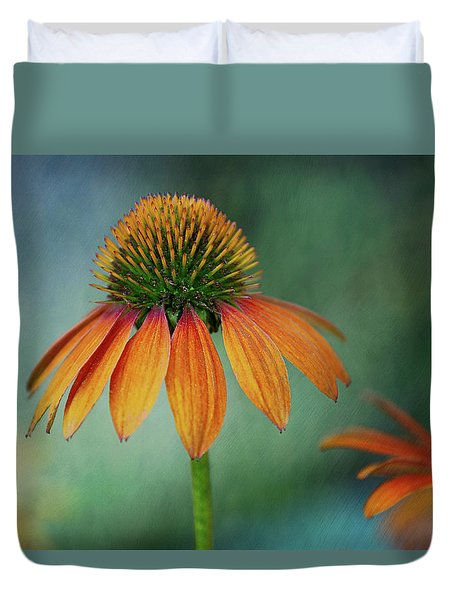 Duvet Cover featuring the photograph Attracting Attention by Dale Kincaid