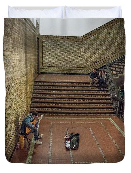 Duvet Cover featuring the photograph Audience by Alex Lapidus