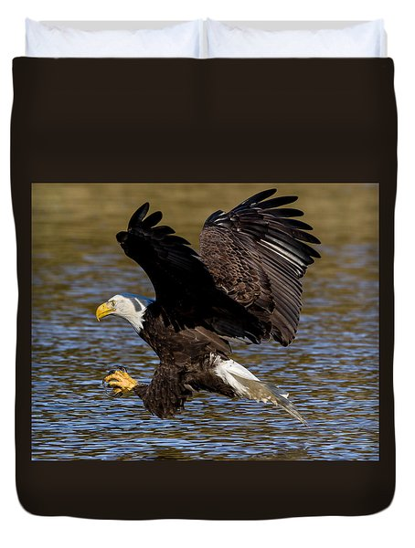 Duvet Cover featuring the photograph Bald Eagle Fishing On The James River by Lori Coleman