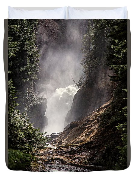 Bear Creek Spray In Color Duvet Cover