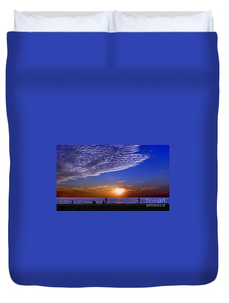 Beautiful Sunset With Ships And People Duvet Cover