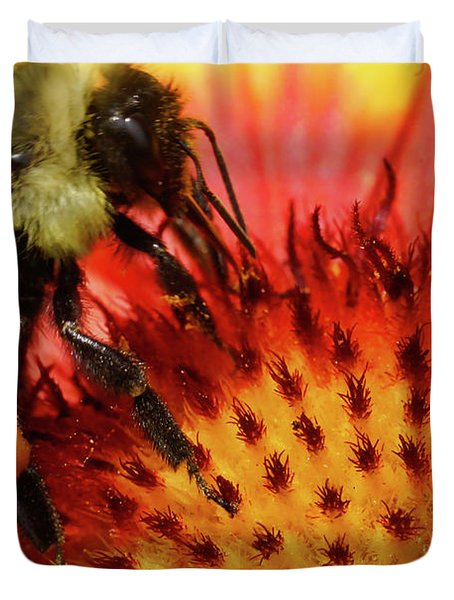 Bee Red Flower Duvet Cover