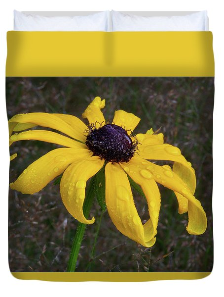 Duvet Cover featuring the photograph Black Eyed Susan by Dale Kincaid