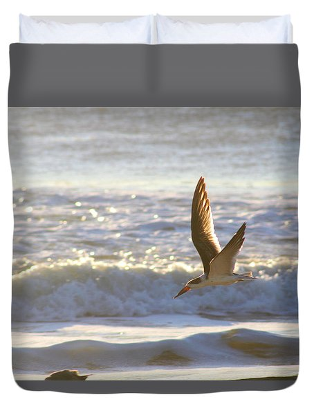 Duvet Cover featuring the photograph Black Skimmer In Flight by Robert Banach