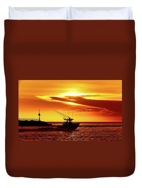 Boat Headed Out Of Jupiter Inlet Duvet Cover