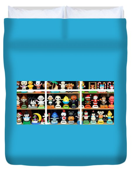 Bobbleheads In Store Window In Schroon Lake Ny In Adirondacks Duvet Cover