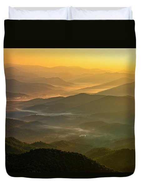 Duvet Cover featuring the photograph Brasstown Bald Mists by Andy Crawford