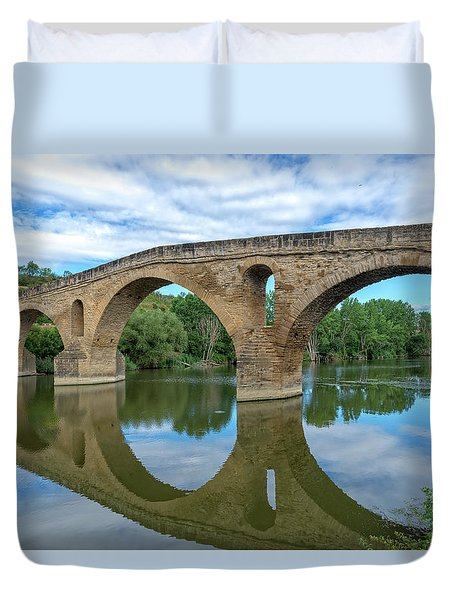 Bridge The Queen On The Way To Santiago Duvet Cover