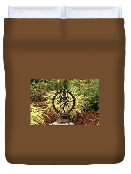 Bronze Shiva In Garden Duvet Cover