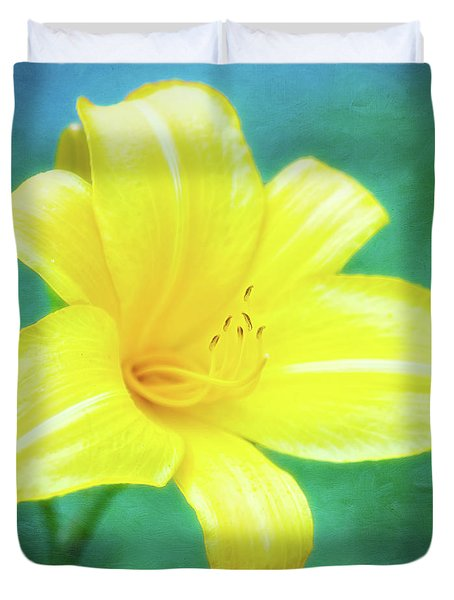 Buttered Popcorn Daylily In Her Glory Duvet Cover