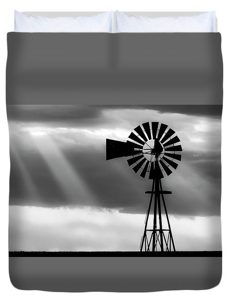 Bw Windmill And Crepuscular Rays -01 Duvet Cover
