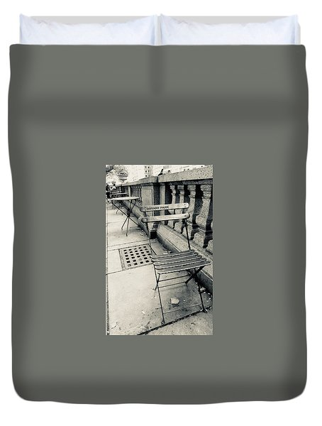 Duvet Cover featuring the photograph Byrant Park by Geraldine Gracia
