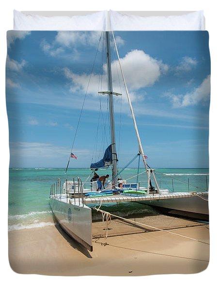 Catamaran On Waikiki Duvet Cover