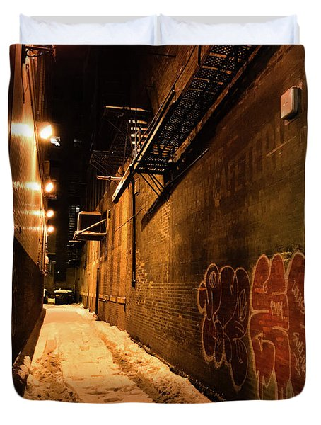 Chicago Alleyway At Night Duvet Cover