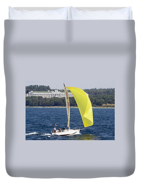 Chicago To Mackinac Yacht Race Sailboat With Grand Hotel Duvet Cover