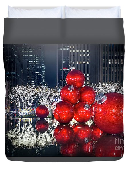 Christmas Comes To Town Duvet Cover