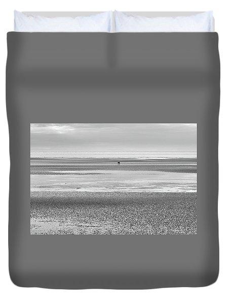 Coastal Brown Bear On  A Beach In Monochrome Duvet Cover
