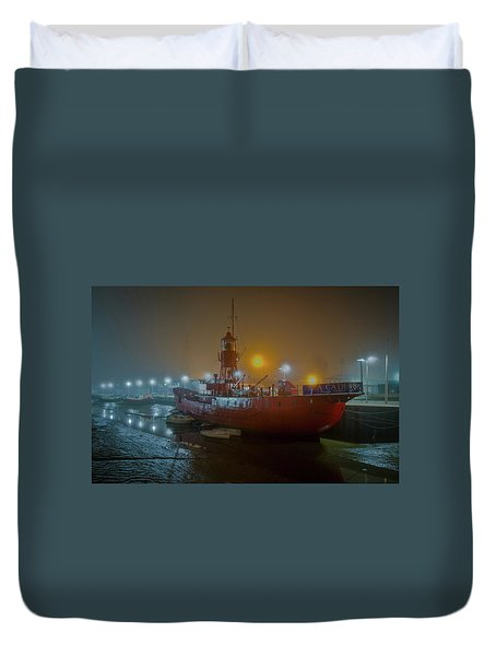Duvet Cover featuring the photograph Colne Lightship In The Fog by Gary Eason