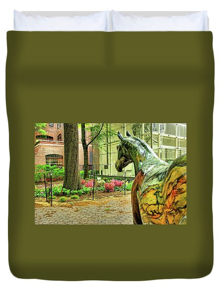 Coloured Horse Sculpture By Museum Of Natural History, Manhattan, New York Duvet Cover
