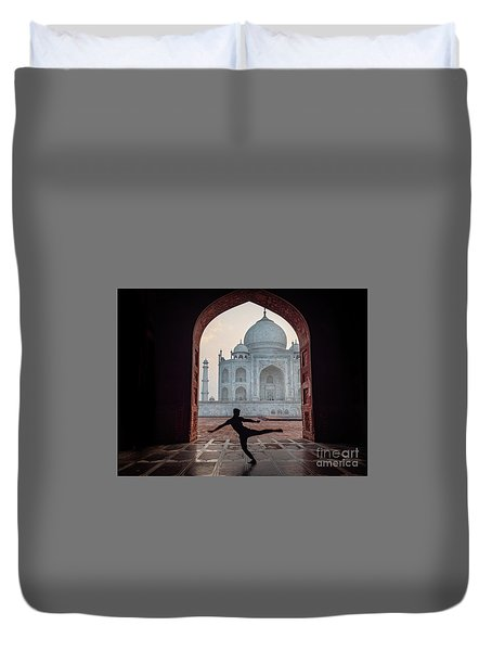 Dancer At The Taj Duvet Cover