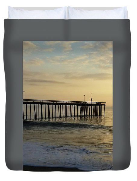 Duvet Cover featuring the photograph Daybreak Over The Ocean 1 by Robert Banach