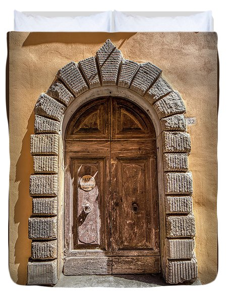 Door Thirty Two Of Tuscany Duvet Cover