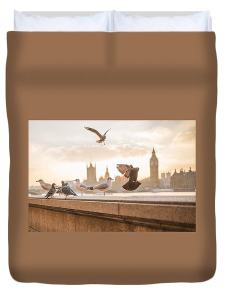 Doves And Seagulls Over The Thames In London Duvet Cover