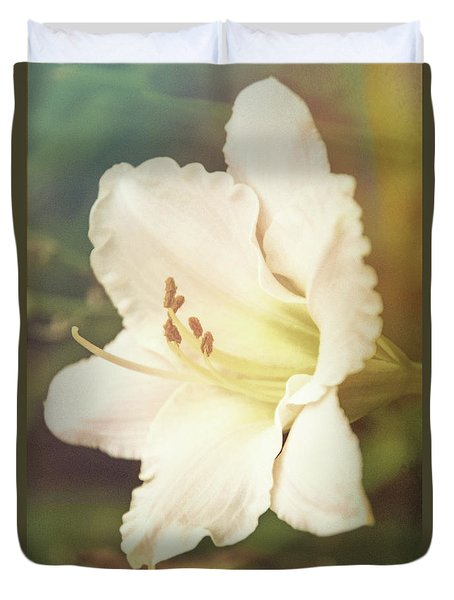 Duvet Cover featuring the photograph Dreamy Lily by Leda Robertson