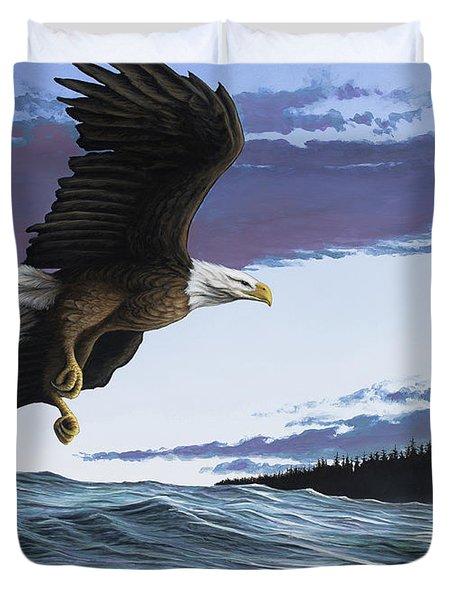 Eagle In Flight Duvet Cover