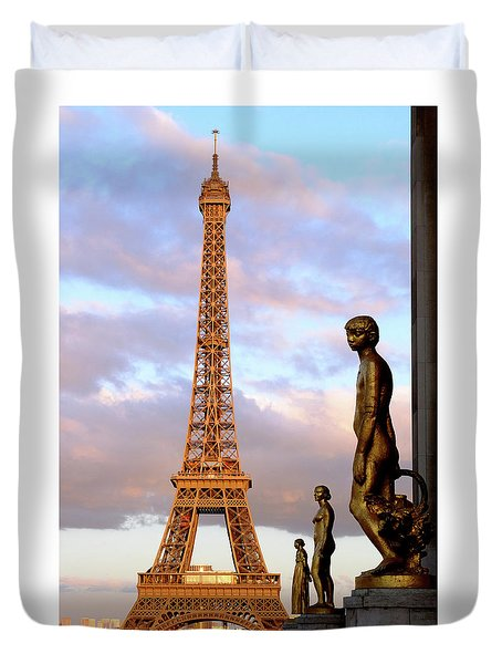 Eiffel Tower At Sunset Duvet Cover