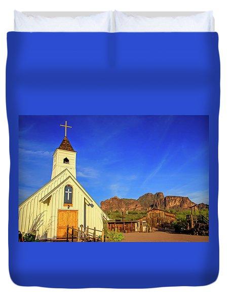 Elvis Chapel At Apacheland, Superstition Mountains Duvet Cover