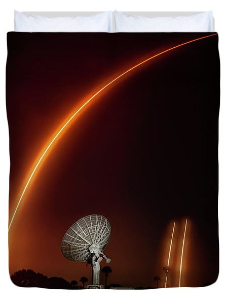 Falcon Heavy Night Launch And Landing Duvet Cover