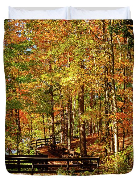 Fall Hike At Mirror Lake Duvet Cover