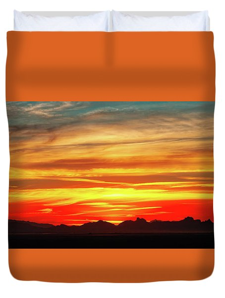 Duvet Cover featuring the photograph Final Glimpses by Rick Furmanek