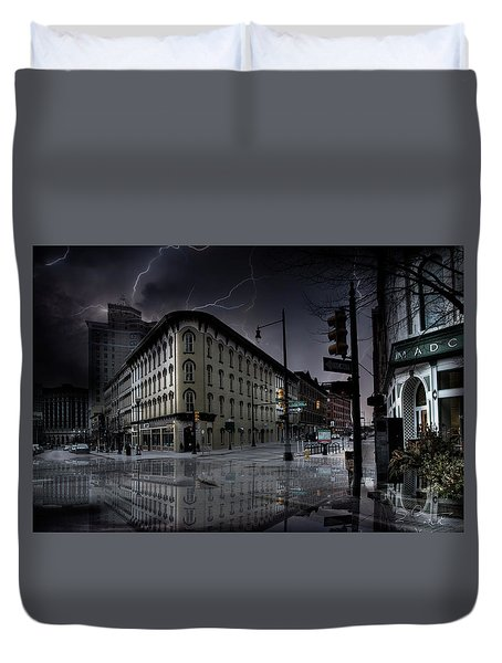 Flat Iron Building Grand Rapids Duvet Cover