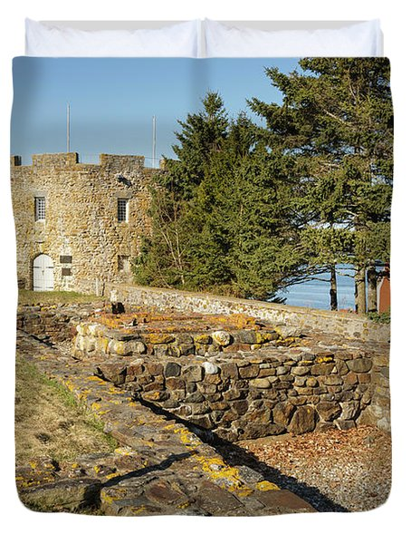 Duvet Cover featuring the photograph Fort William Henry - New Harbor, Maine by Erin Paul Donovan