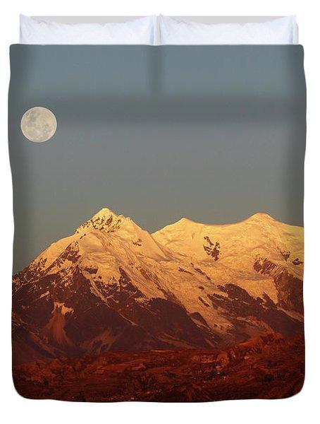 Full Moon Rise Over Mt Illimani Duvet Cover