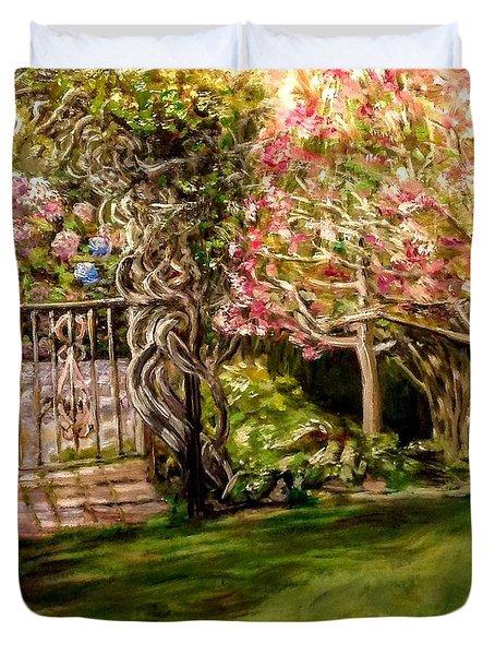 Garden Gate At Evergreen Arboretum Duvet Cover