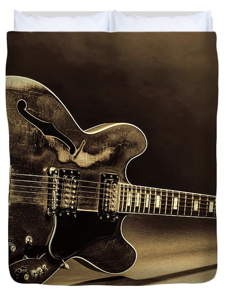 Gibson Guitar Images On Stage 1744.015 Duvet Cover