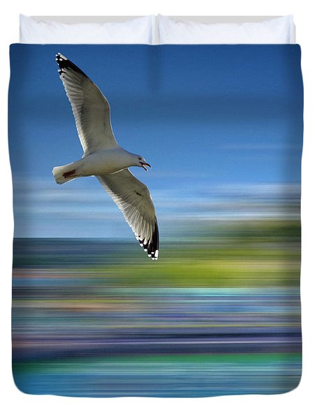 Duvet Cover featuring the photograph Gull Flight #192 by Edmund Nagele