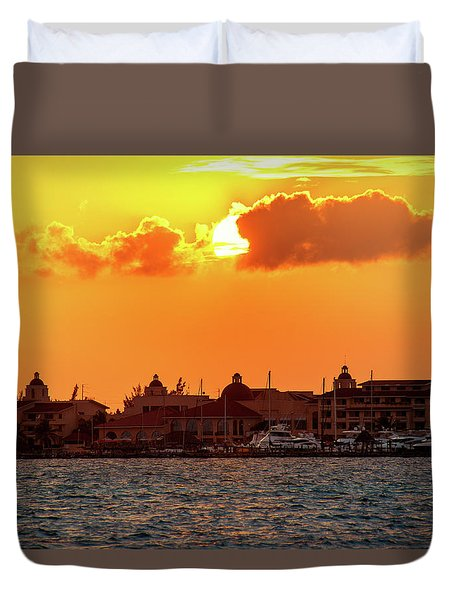 Golden Sky In Cancun Duvet Cover