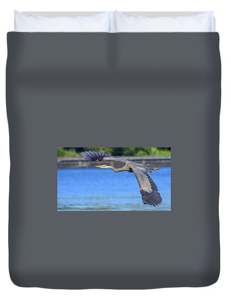 Great Blue Heron In Flight Duvet Cover
