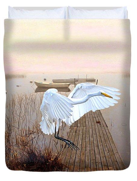 Great White Heron Landing Duvet Cover